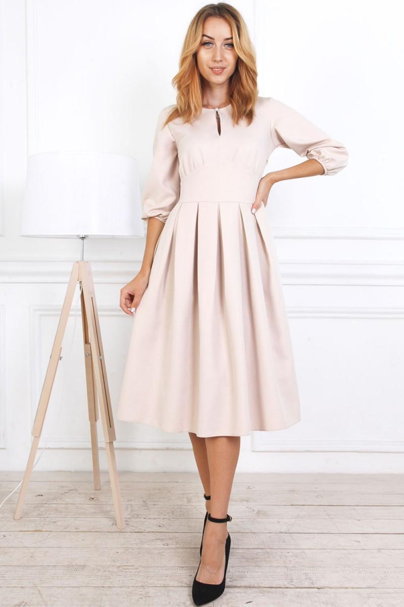 Осеннее платье 813-02 бежевого цвета